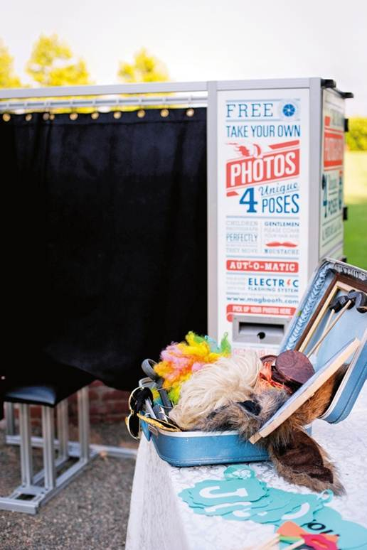 How To Include A Photo Booth In Your Wedding