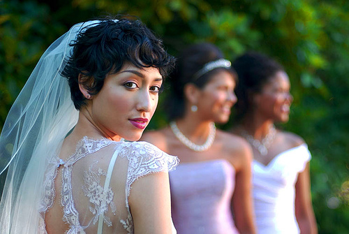 7 Modern And Chic Hairstyles For The Bride