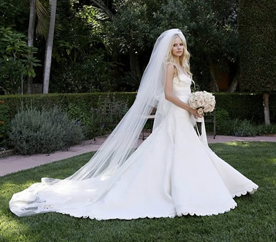 avril lavigne wedding dresses. Avril Lavigne