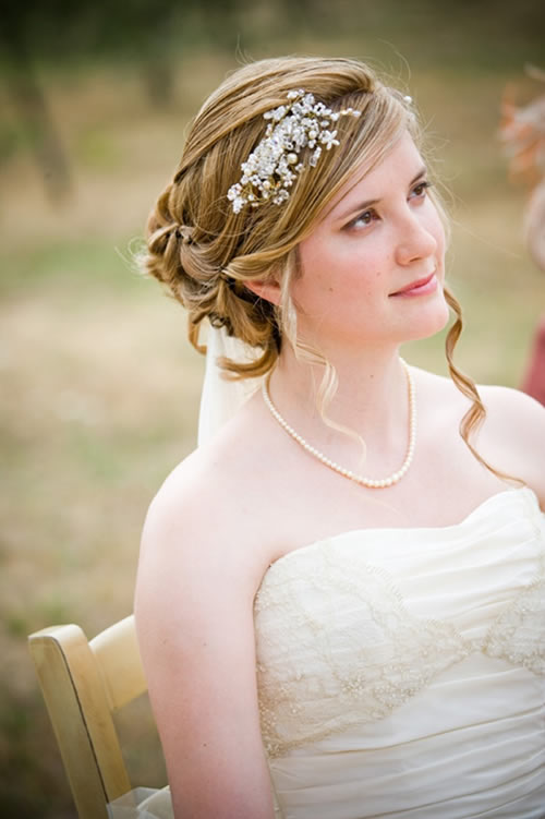 The romantic bridal hairstyle