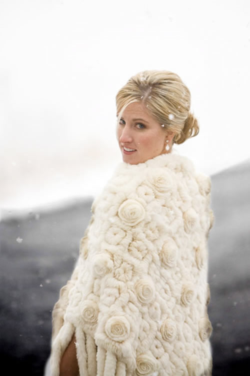 A Winter Wedding Requires That The Bride 39s Look Matches It Perfectly Casual  Winter Wedding Dress