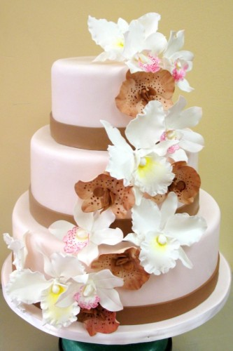 wedding cakes and flowers berrysa